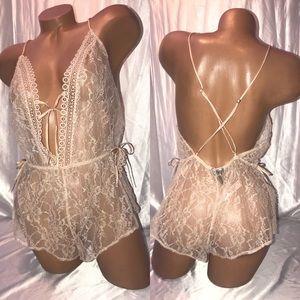 VS lingerie Romper cream lace Open Back medium